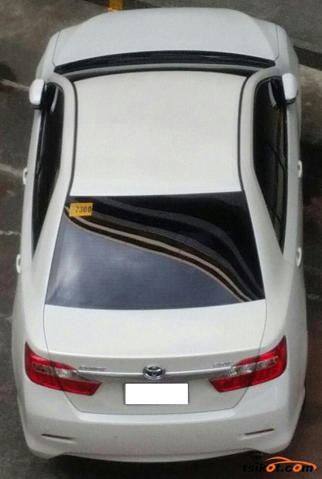 Toyota Camry 2014 - 4
