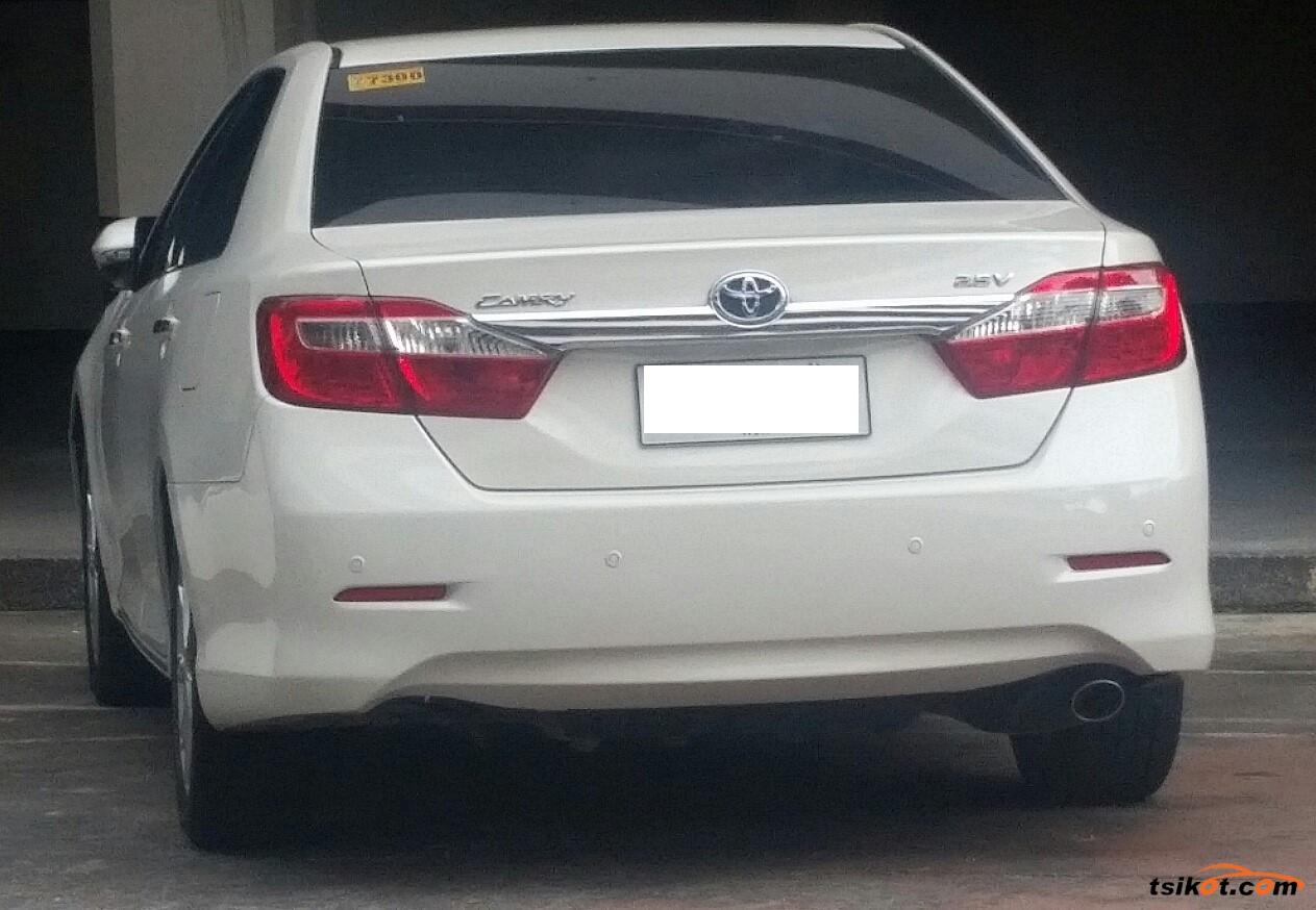 Toyota Camry 2014 - 5