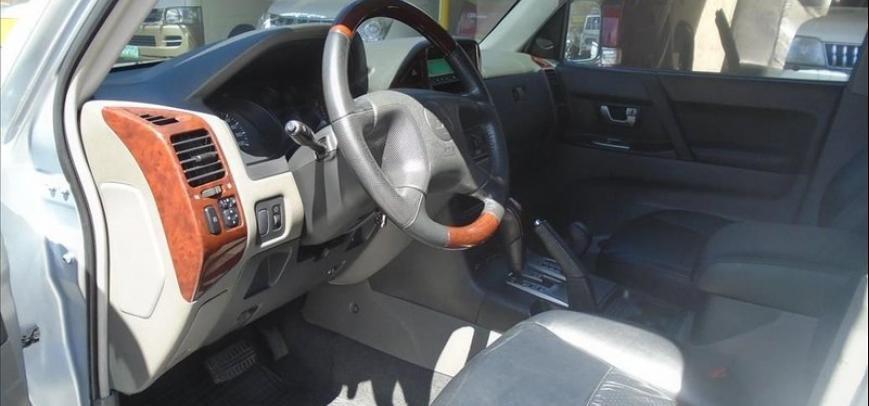 Mitsubishi Pajero 2004 - 8