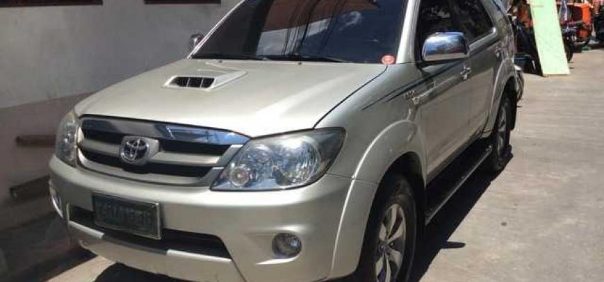 Toyota Fortuner 2007 - 1