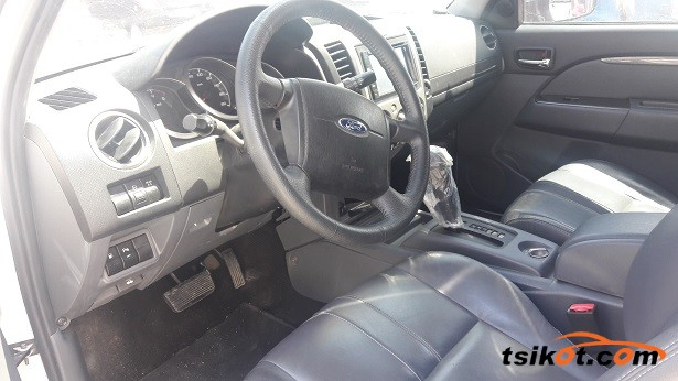 Ford Everest 2013 - 3