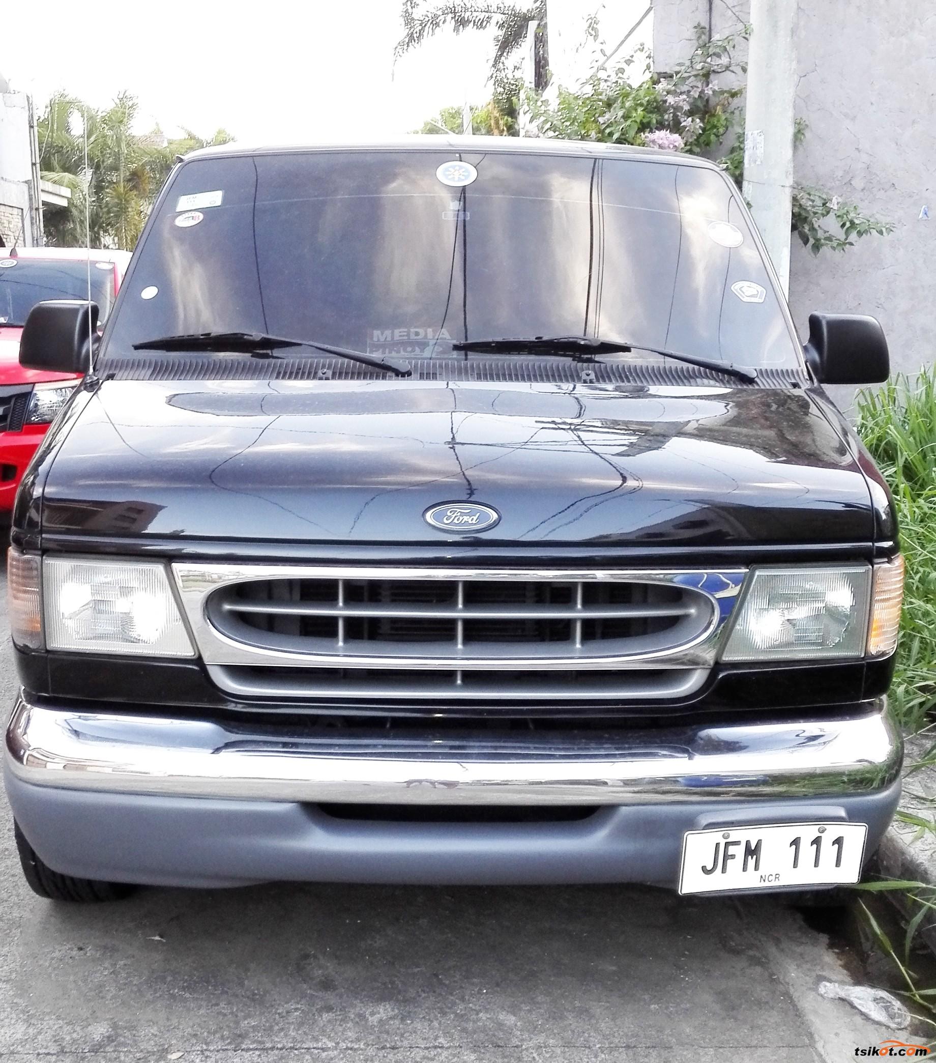 Ford E-150 2000 - 2