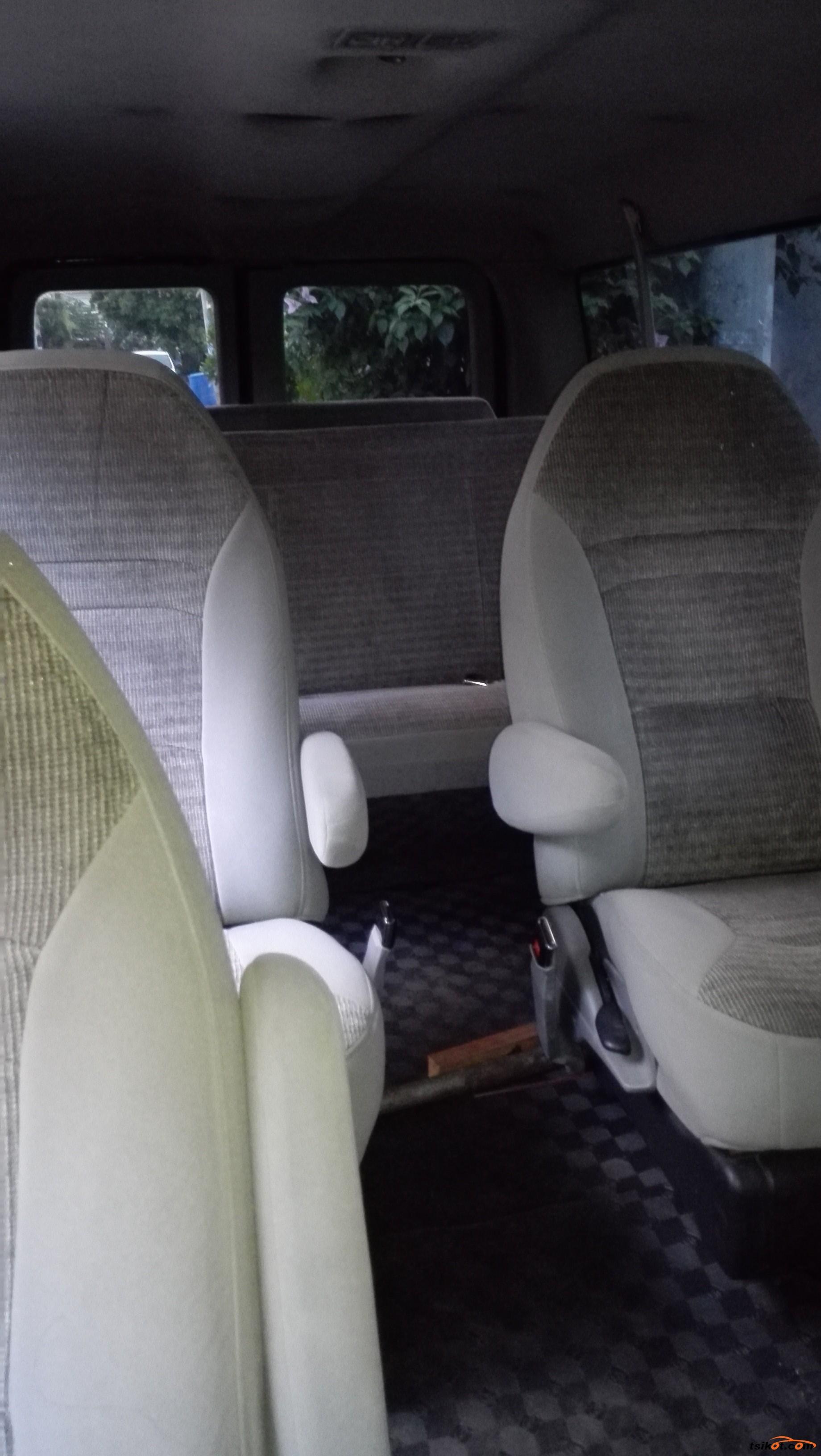 Ford E-150 2000 - 6