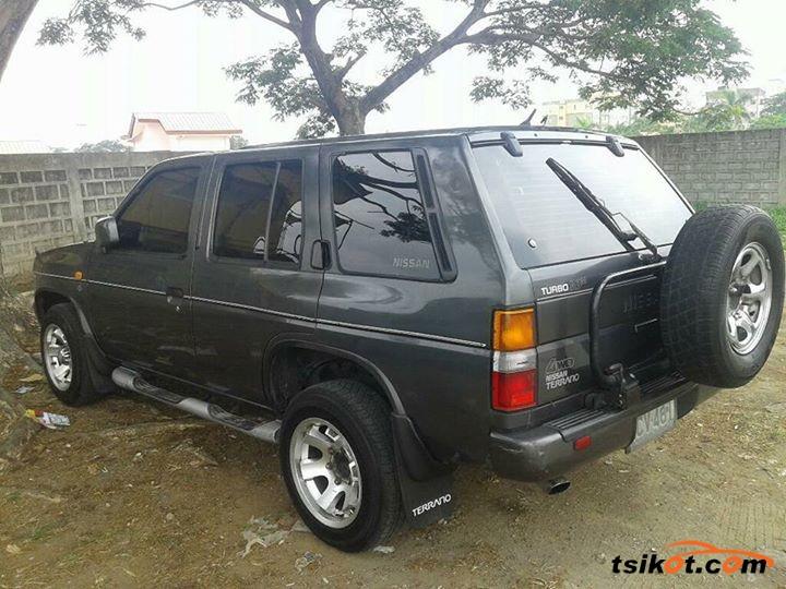 Nissan Terrano 1992 - 3