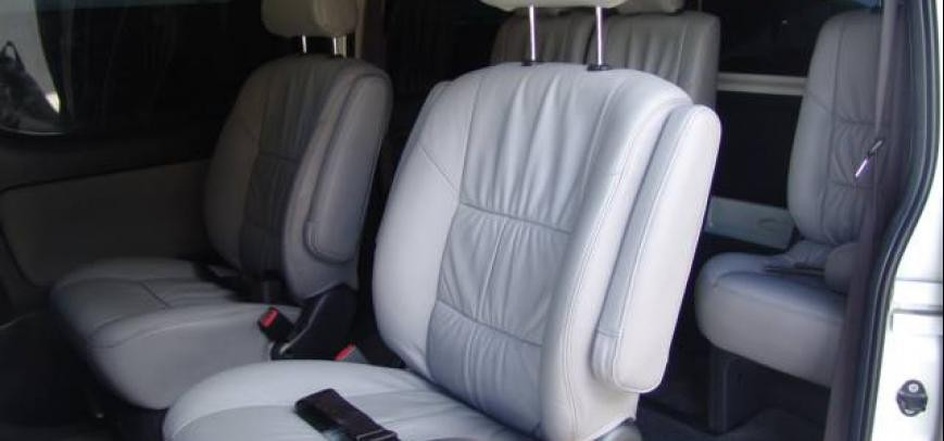 Toyota Hi-Ace 2013 - 8