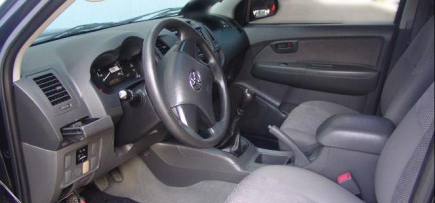 Toyota Hilux 2013 - 10