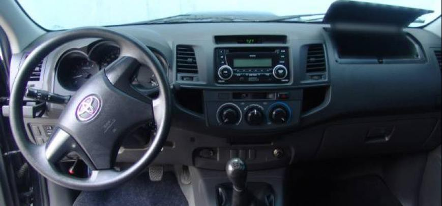 Toyota Hilux 2013 - 8