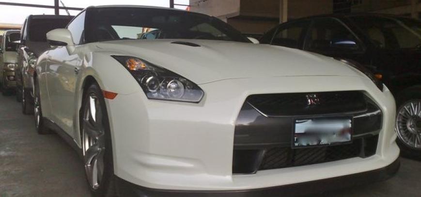 Nissan Gt-R 2009 - 1