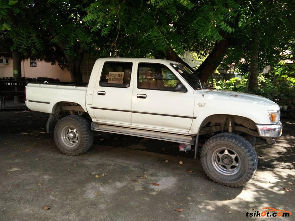 Toyota Hilux 1997 - 1