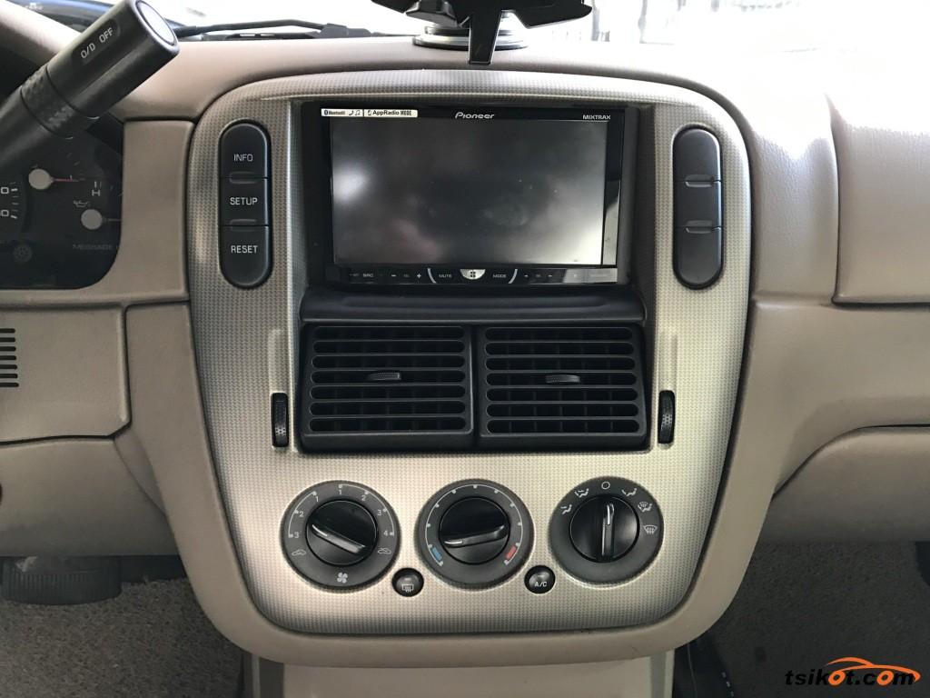 Ford Explorer 2006 - 6