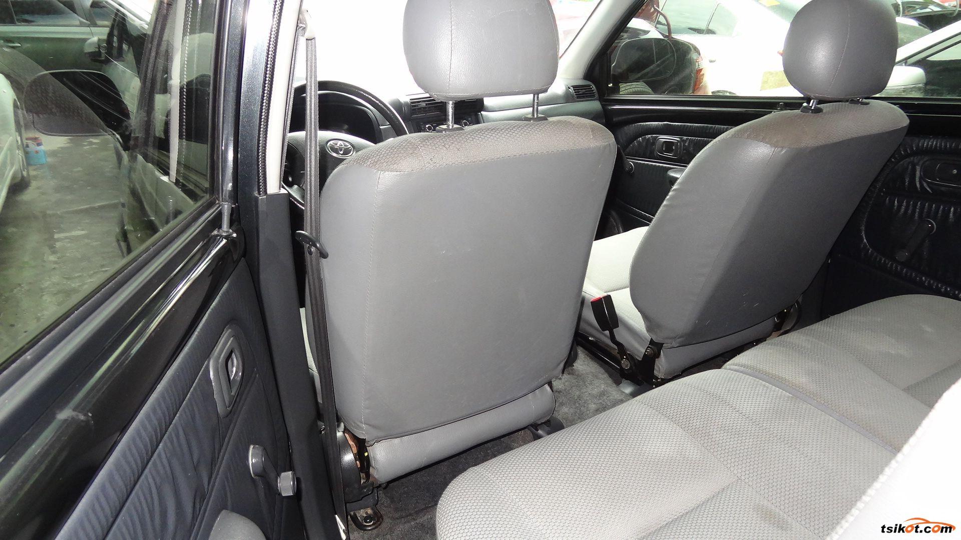 Toyota Avanza 2011 - 6