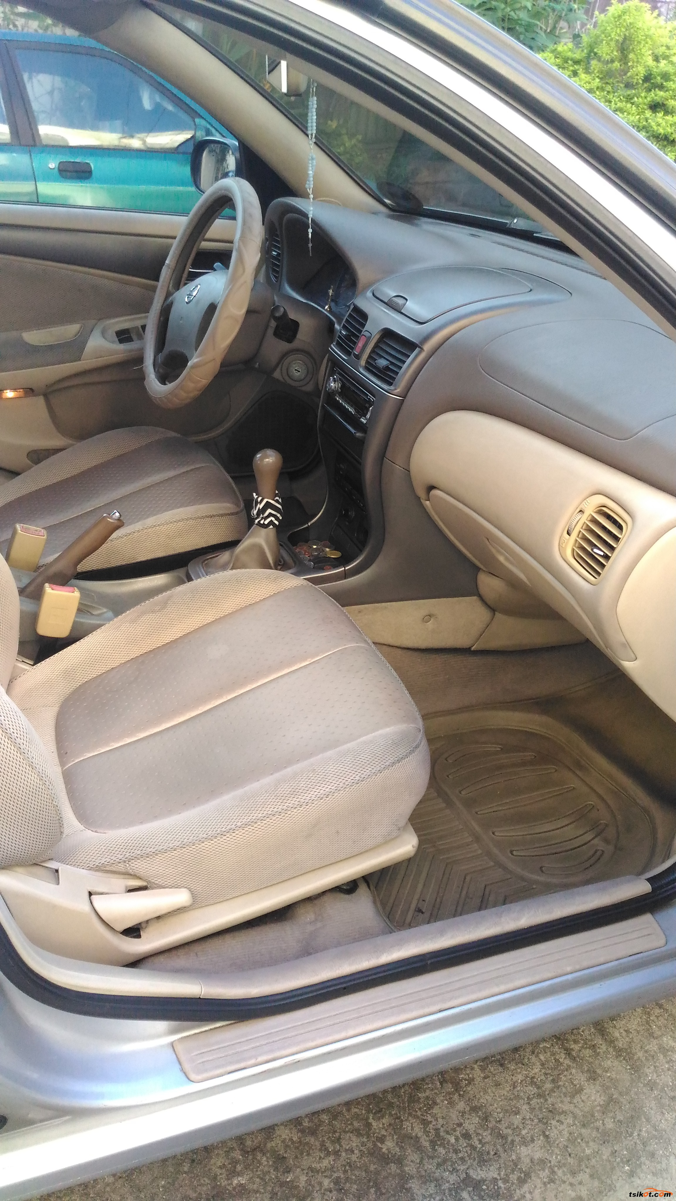 Nissan Sentra 2005 - 9