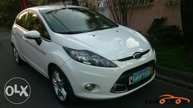 Ford Fiesta 2011 - 10