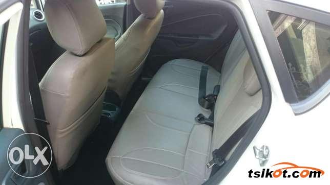 Ford Fiesta 2011 - 7