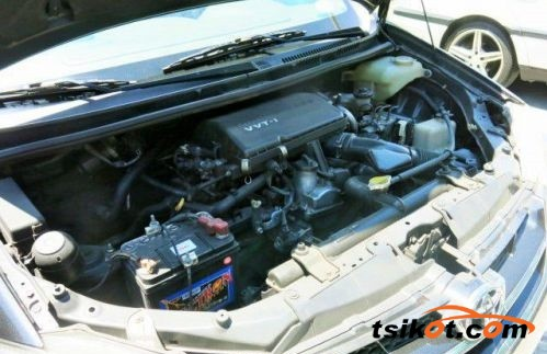 Toyota Avanza 2009 - 8