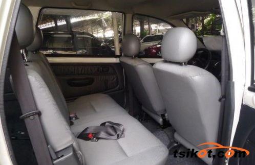 Toyota Avanza 2010 - 5