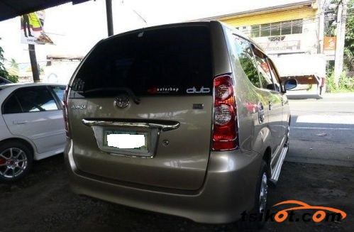 Toyota Avanza 2009 - 9