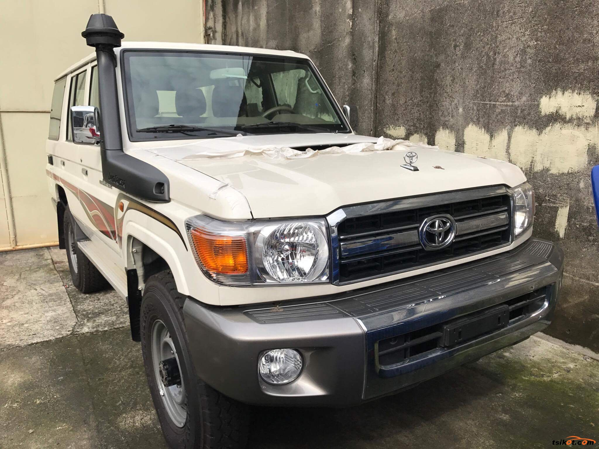 toyota land cruiser 2017 car for sale metro manila philippines. Black Bedroom Furniture Sets. Home Design Ideas