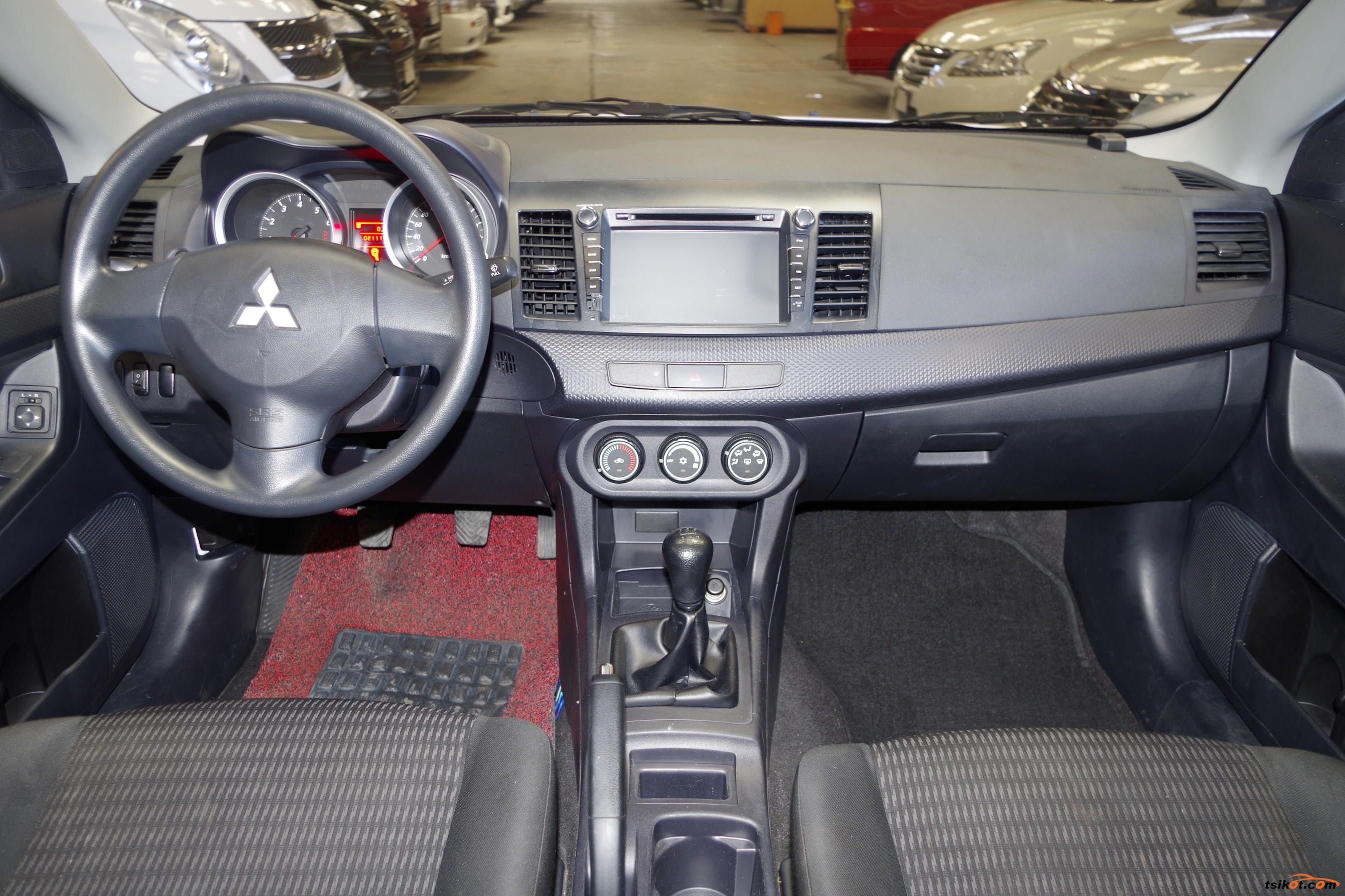 Mitsubishi Lancer 2013 - 10