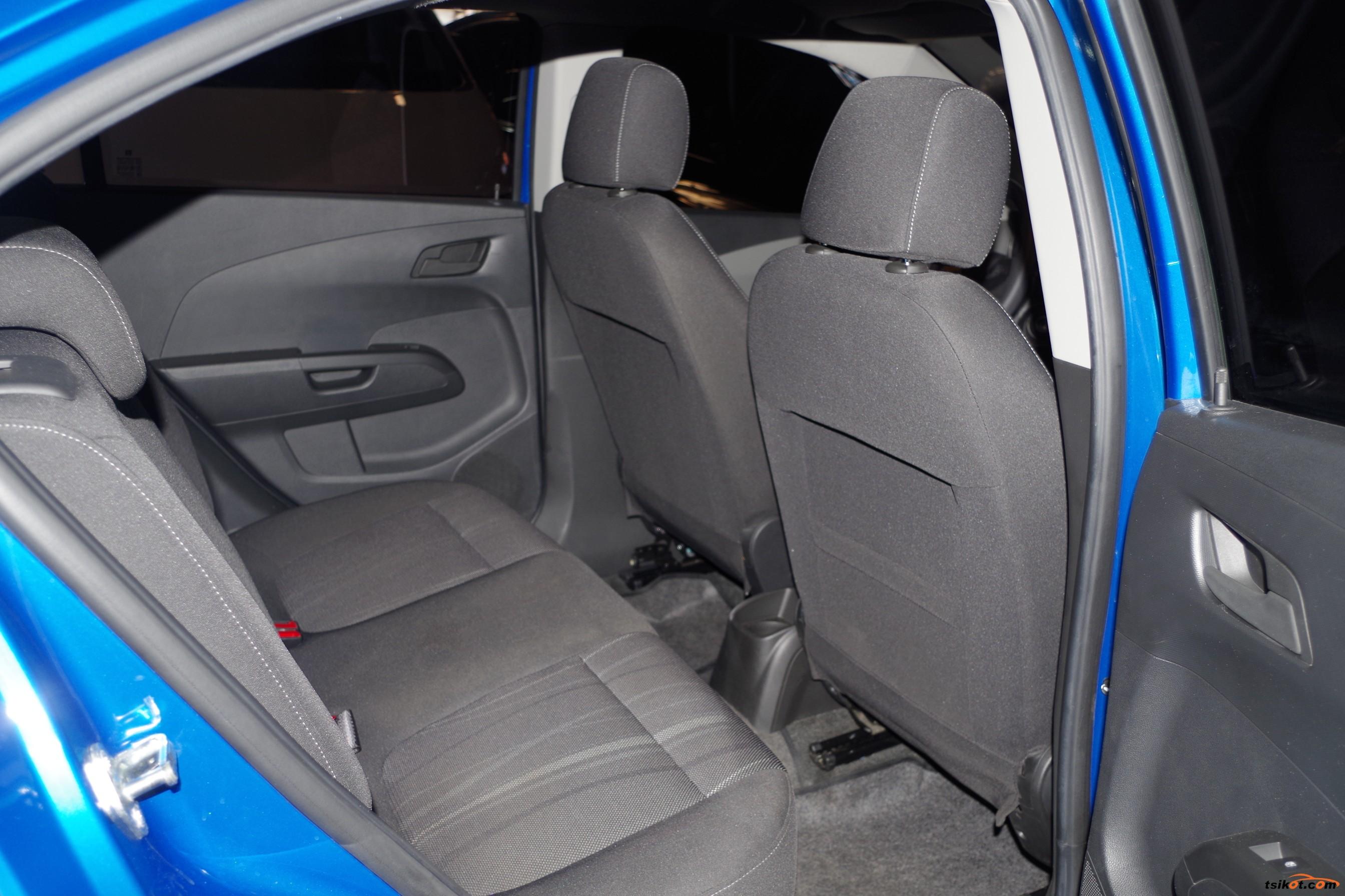 Chevrolet Sonic 2014 - 10