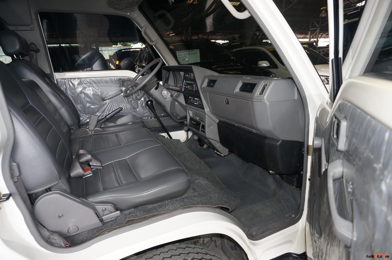 Nissan Urvan 2015 - 6