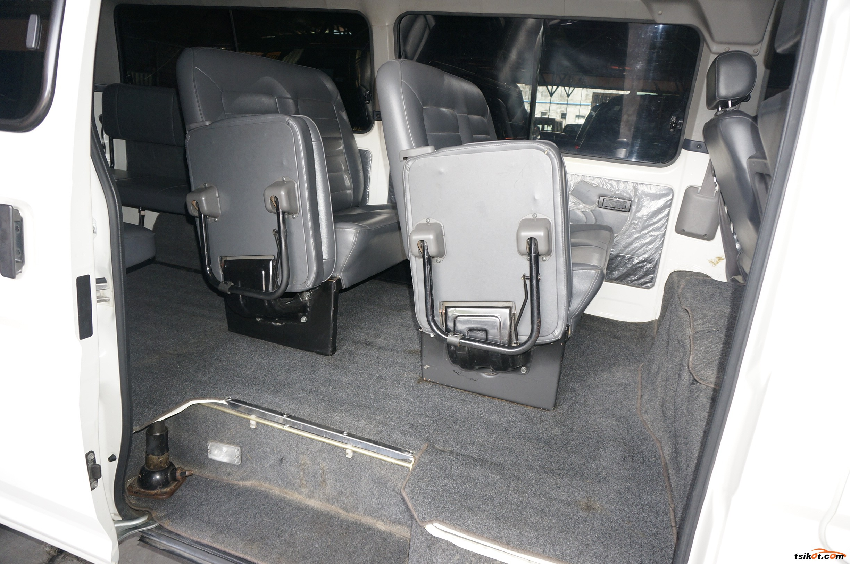Nissan Urvan 2015 - 7