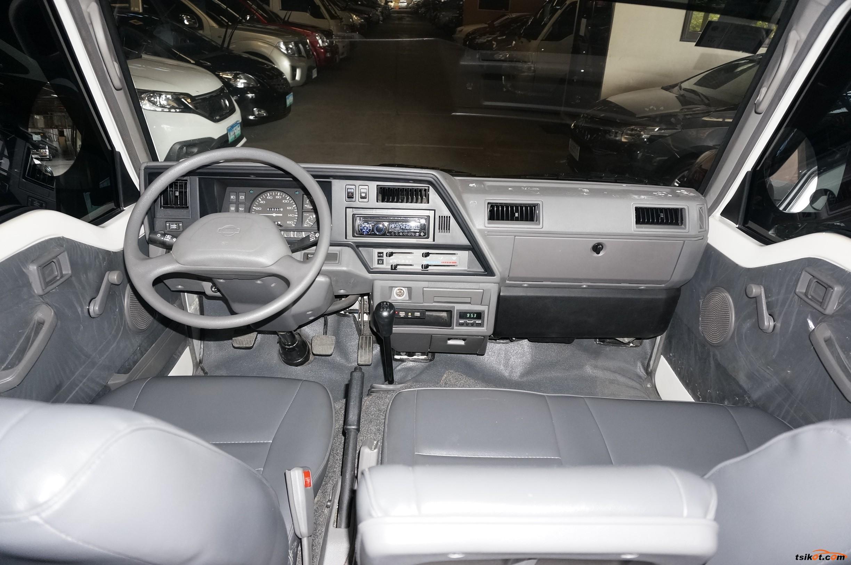 Nissan Urvan 2015 - 8