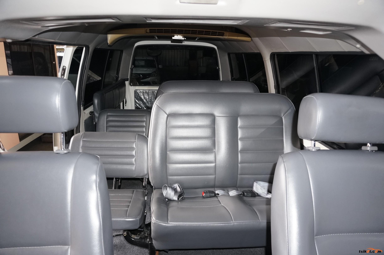 Nissan Urvan 2015 - 9