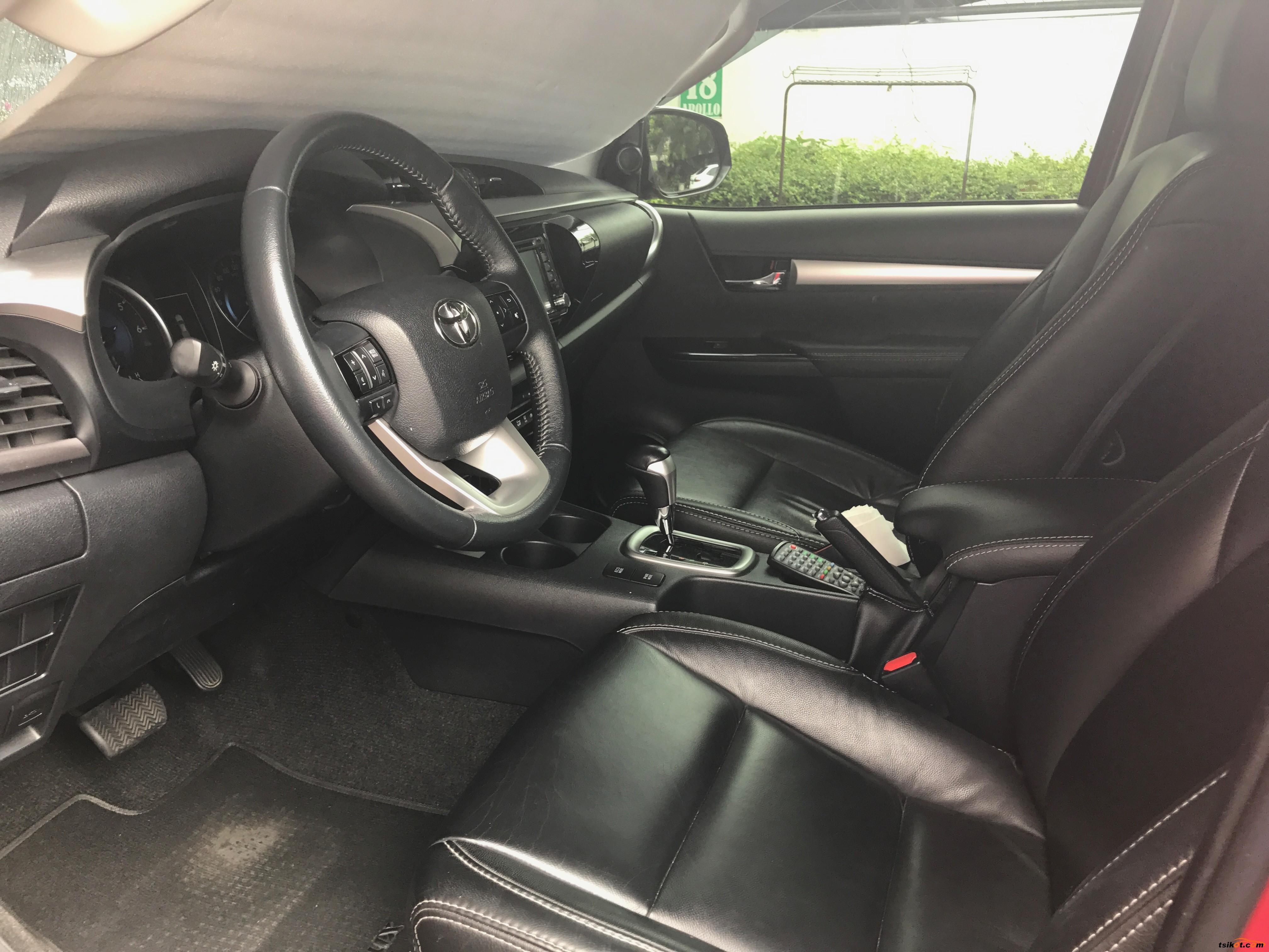 Toyota Hilux 2015 - 5