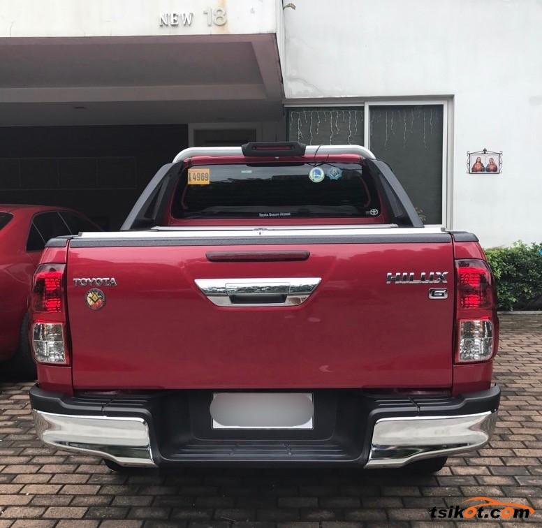 Toyota Hilux 2015 - 7