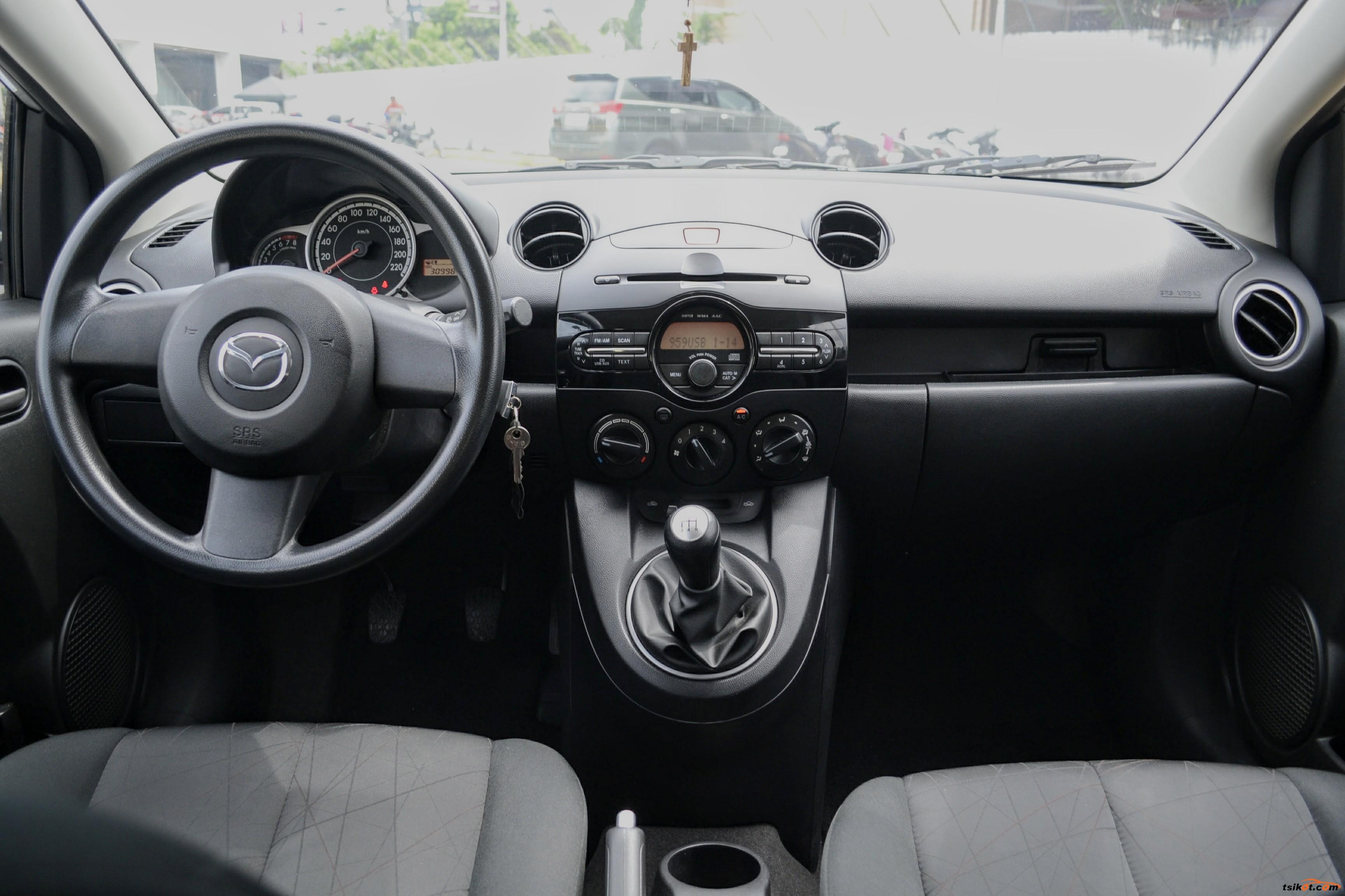 Mazda 2 2015 - 10