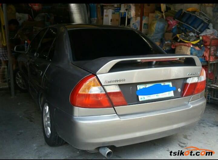 Mitsubishi Lancer 2000 - 4