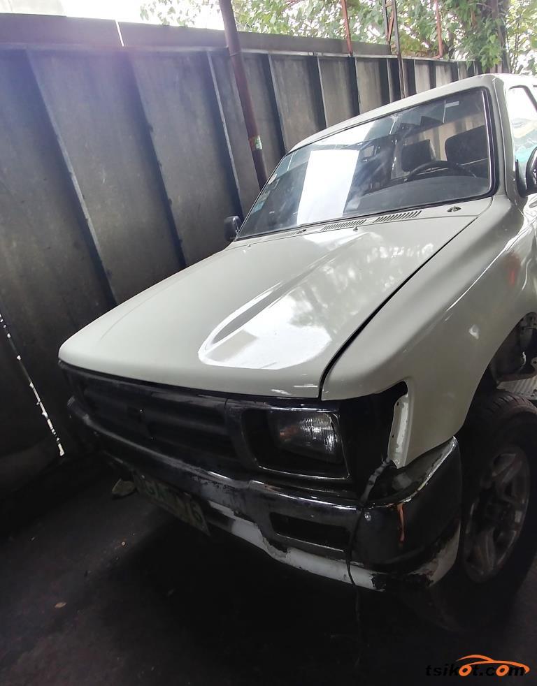 Toyota Hilux 1990 - 1