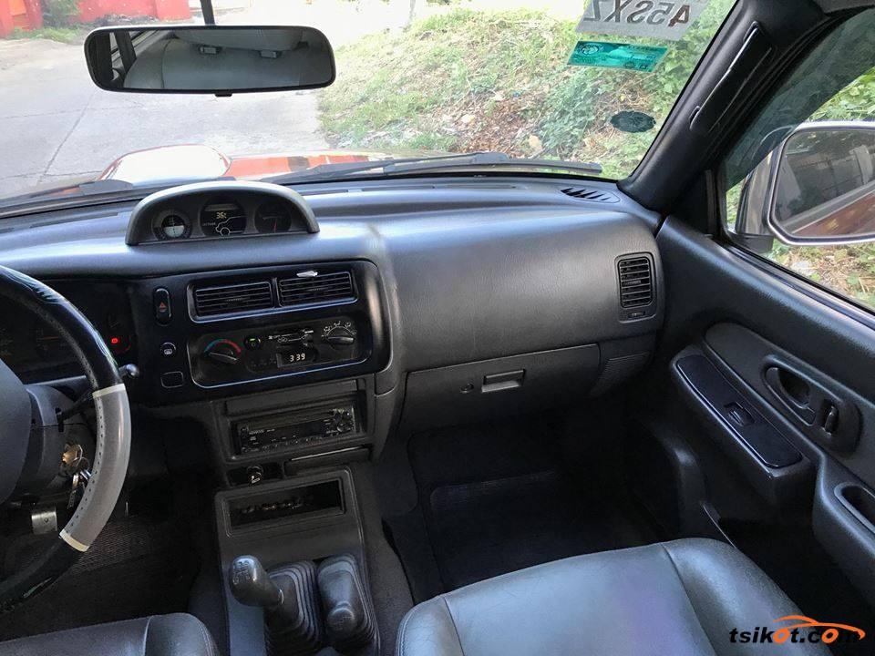 Mitsubishi Strada 2000 - 3