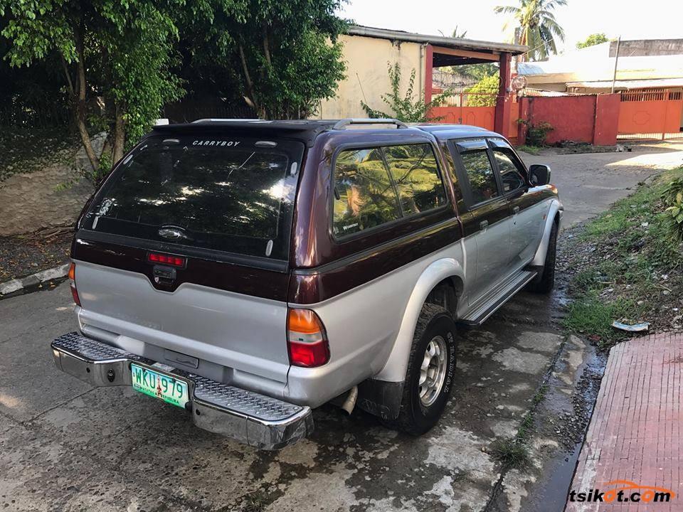 Mitsubishi Strada 2000 - 4