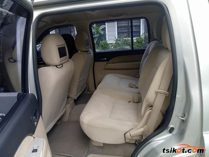 Ford Everest 2009 - 5