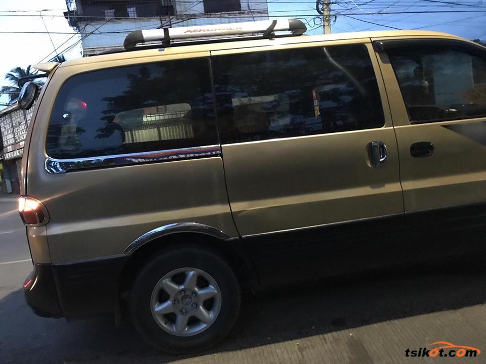 Hyundai Starex 1998 - 7
