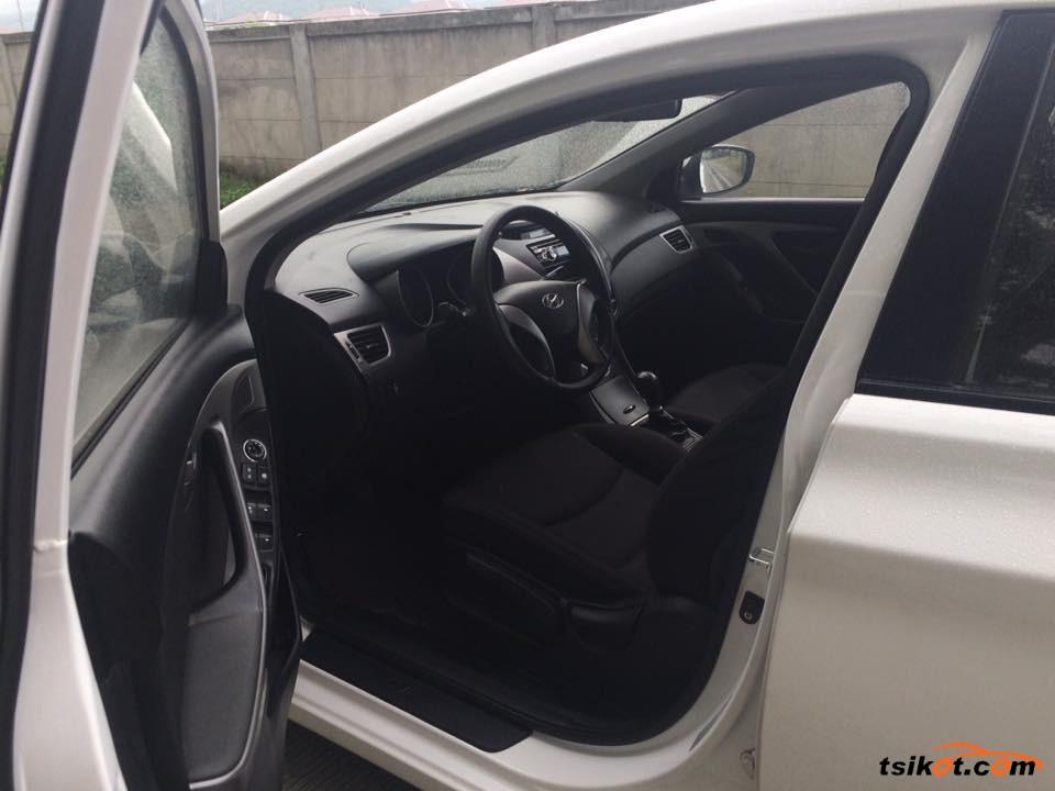 Hyundai Elantra 2012 - 1