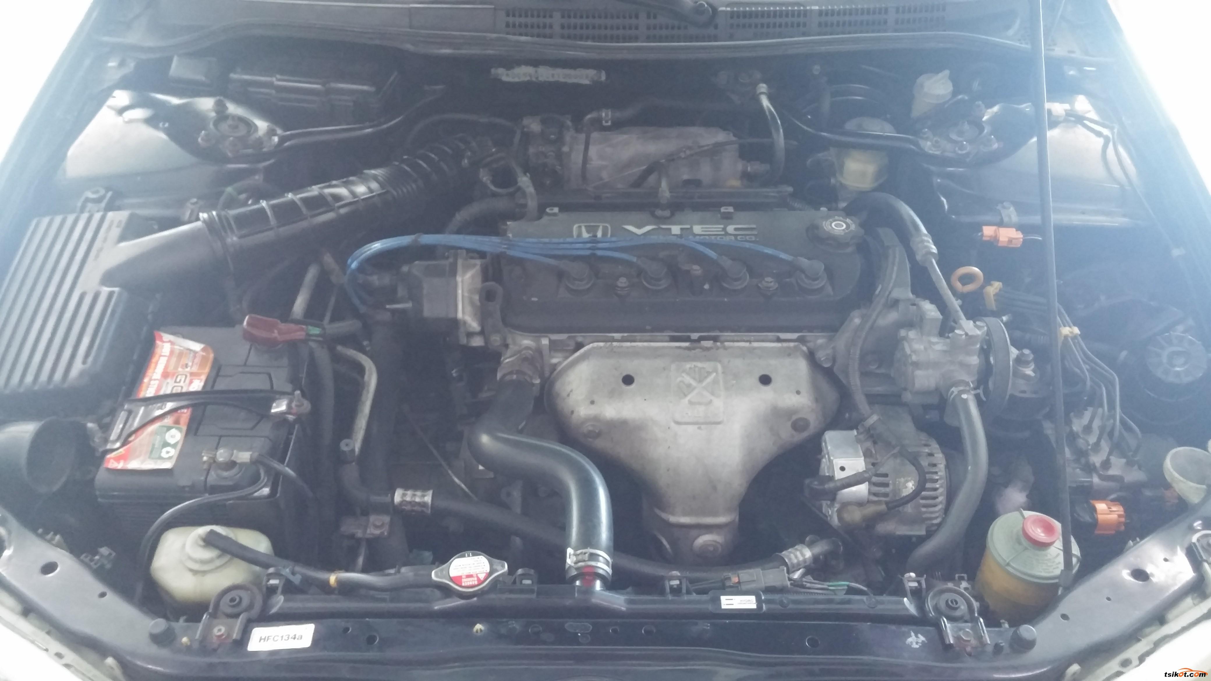 Honda Accord 1999 - 6