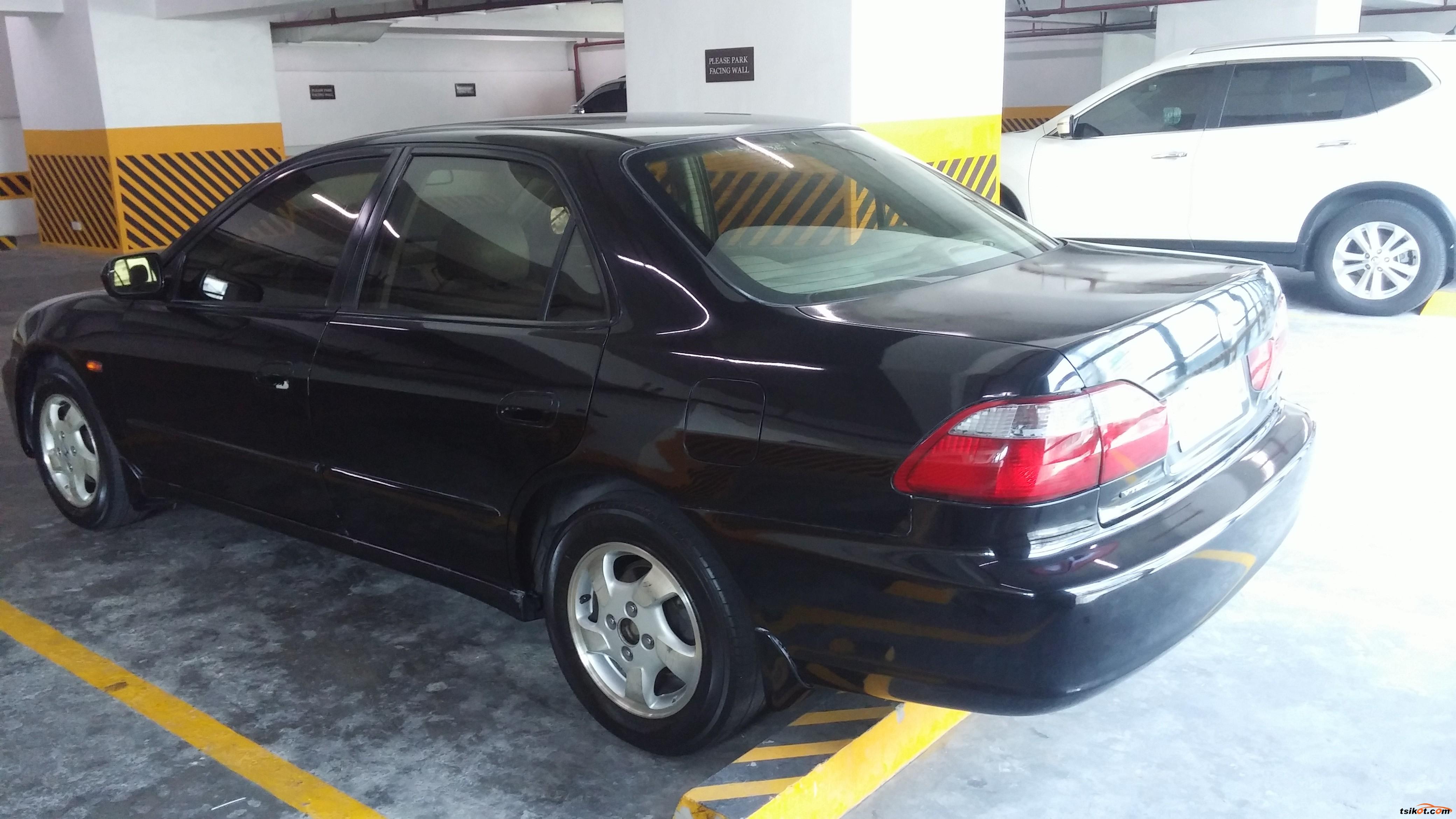 Honda Accord 1999 - 4