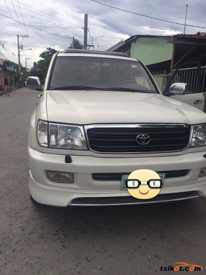 Toyota Land Cruiser 2000 - 1