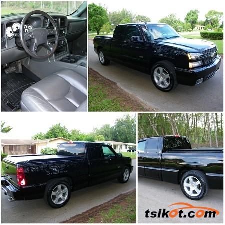 Chevrolet Silverado 2003 - 1