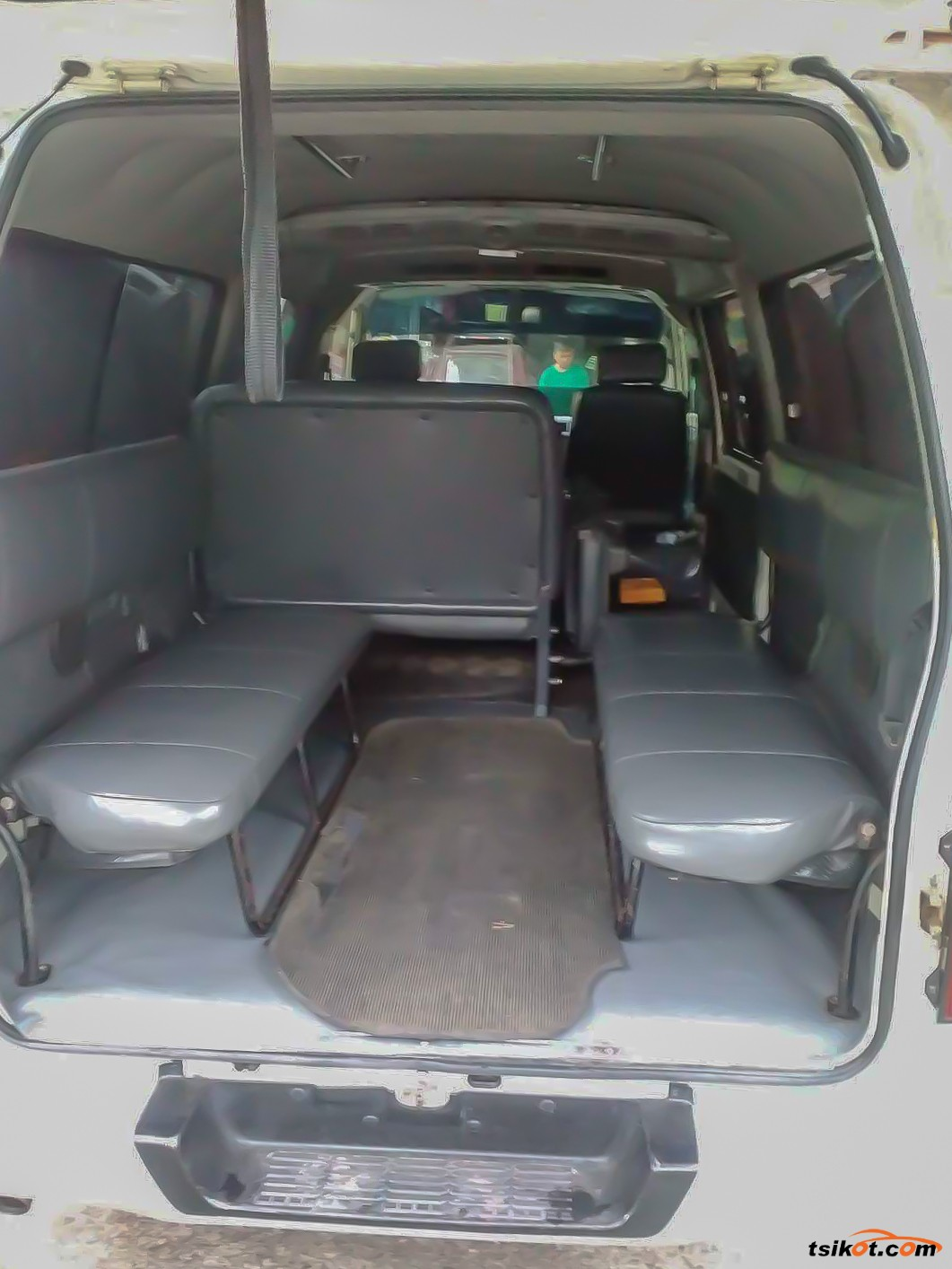 Nissan Urvan 2011 - 5