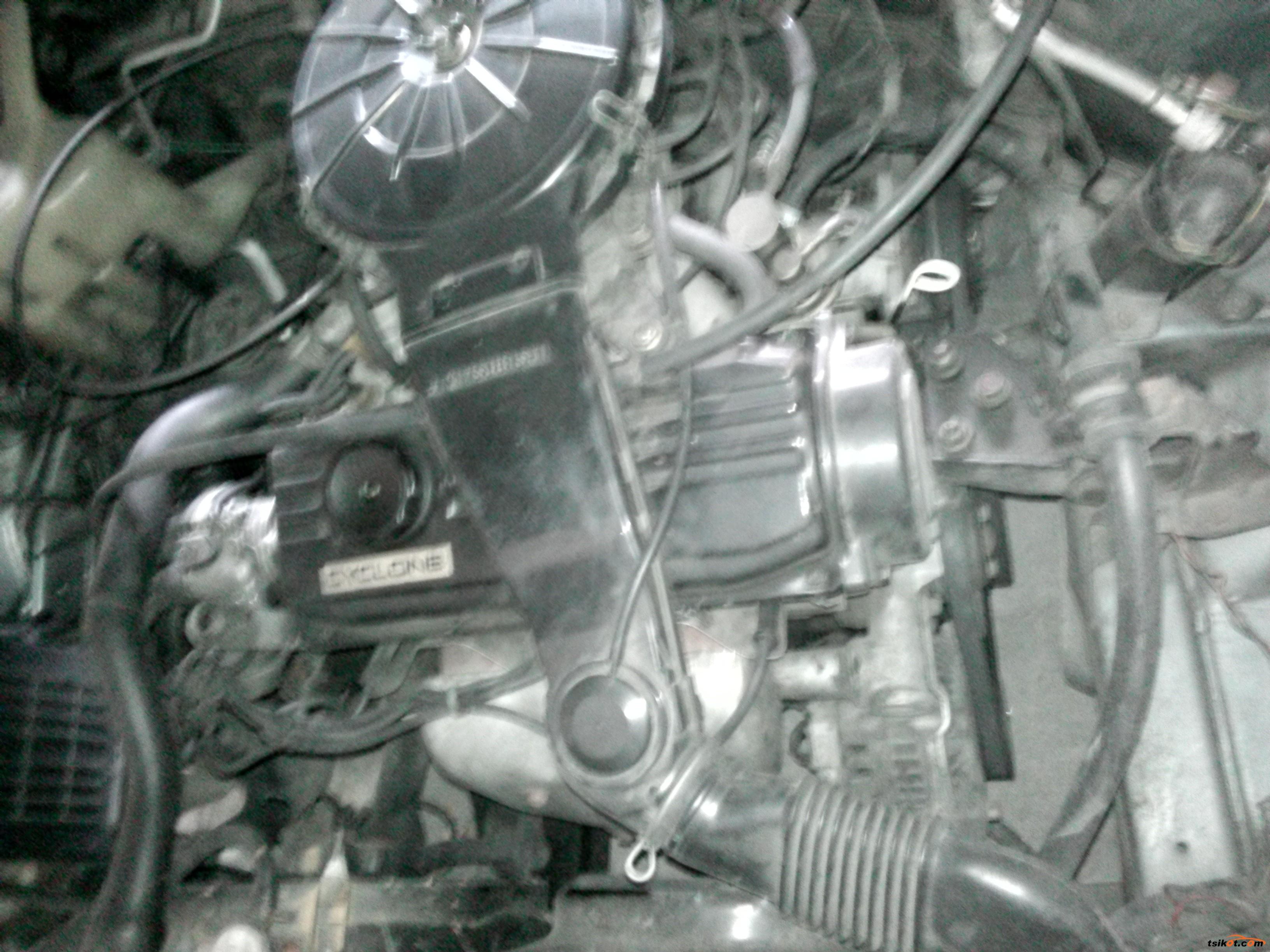 Mitsubishi Lancer 1996 - 7