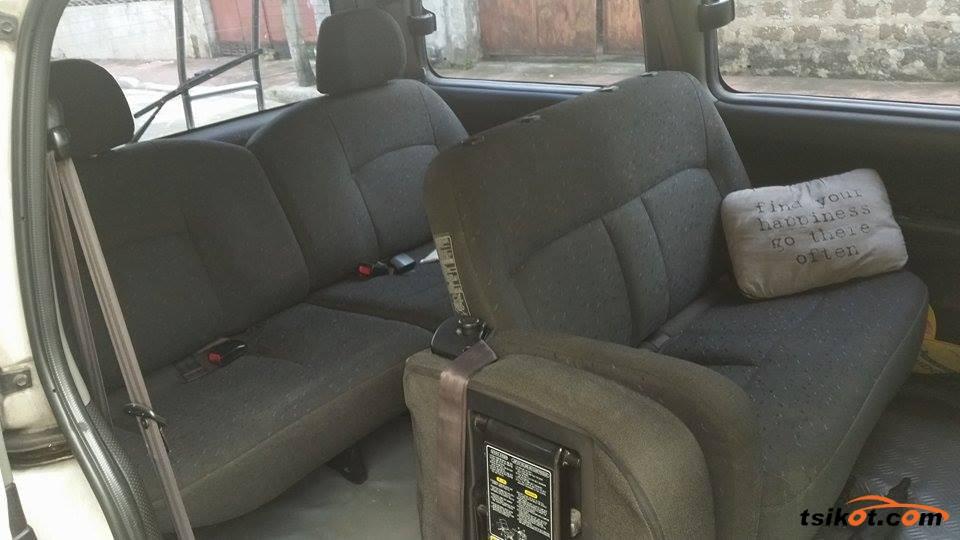 Hyundai Starex 2002 - 5