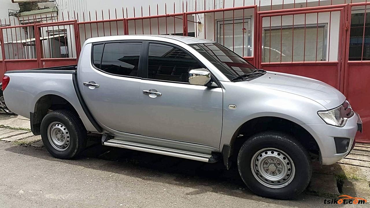 Mitsubishi Strada 2014 - 2