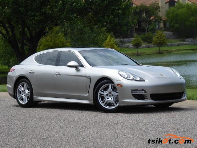 Porsche Panamera 2010 - 1