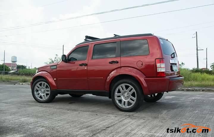 Dodge Nitro 2011 - 2