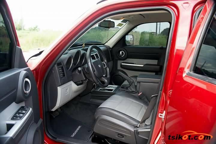 Dodge Nitro 2011 - 3