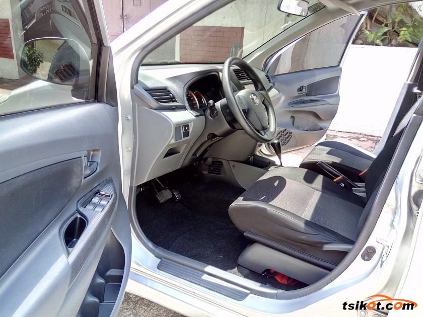 Toyota Avanza 2012 - 6